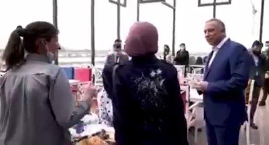 فيديو… جولة رئيس الوزراء في العاصمة #بغداد ولقائه عدد من المواطنين في احد المطاعم. #مصطفى_الكاظمي #العراق
