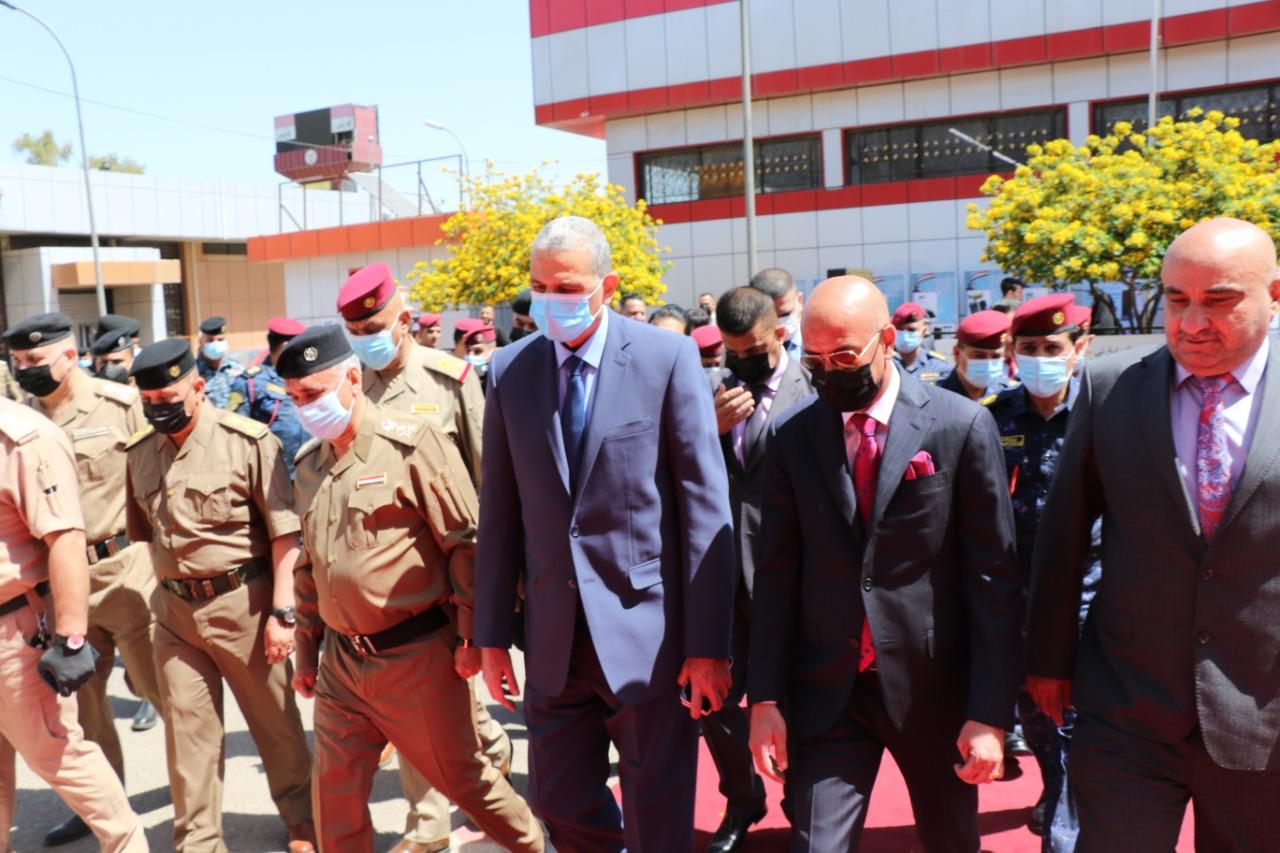 التجارة … وزير الداخلية يزور معرض الامن والدفاع المقام على ارض معرض بغداد الدولي