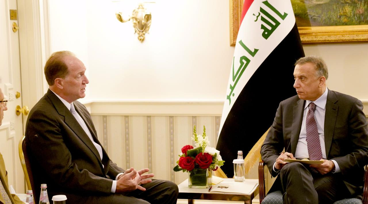 رئيس مجلس الوزراء السيد مصطفى الكاظمي يلتقي في واشنطن رئيس مجموعة البنك الدولي